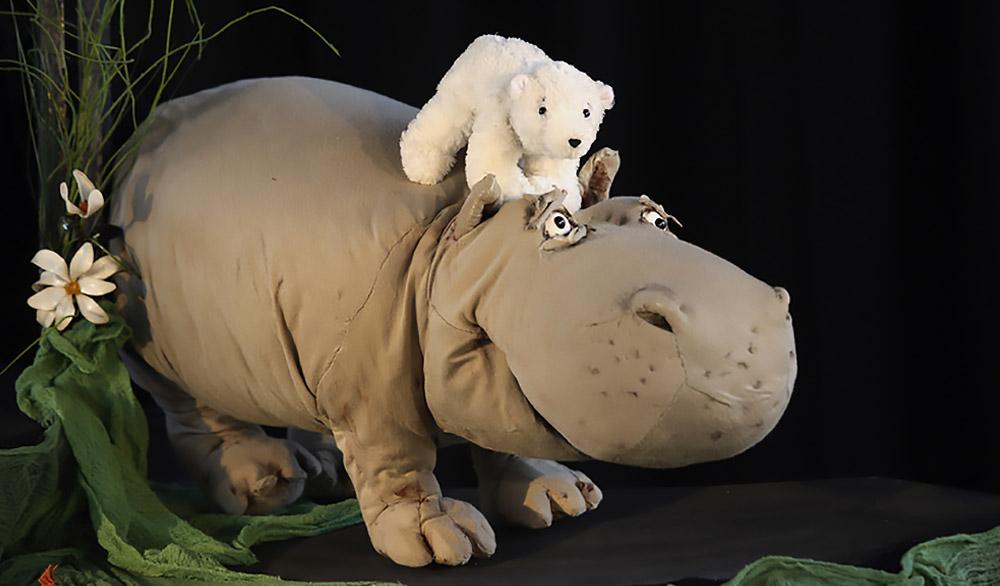 Theaterstück Kleiner Eisbär wohin fährst du im Theater in der Badewanne