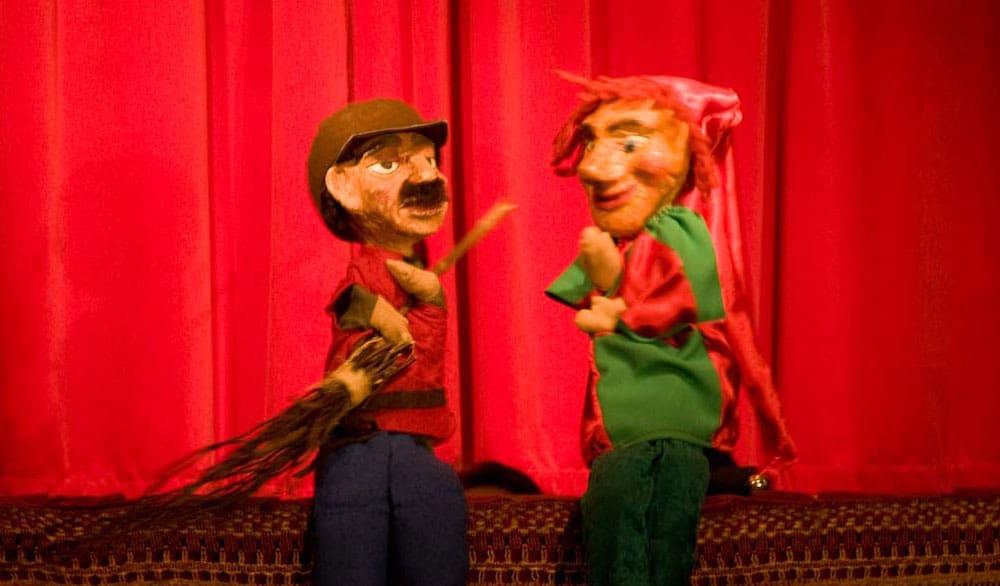 Theaterstück Der Straßenfeger Fridolin im Eliszis Jahrmarktstheater Theater Stuttgart